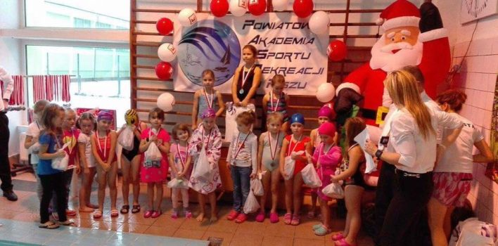 Mikołajkowe Zawody Pływackie wPiszu