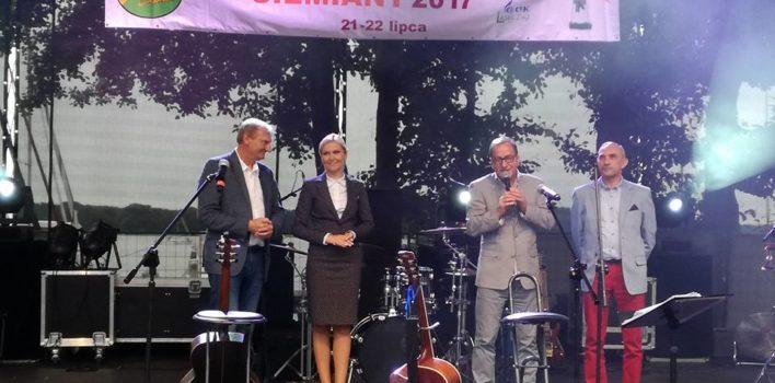 """Festiwal """"Nad Jeziorakiem"""" wSiemianach."""